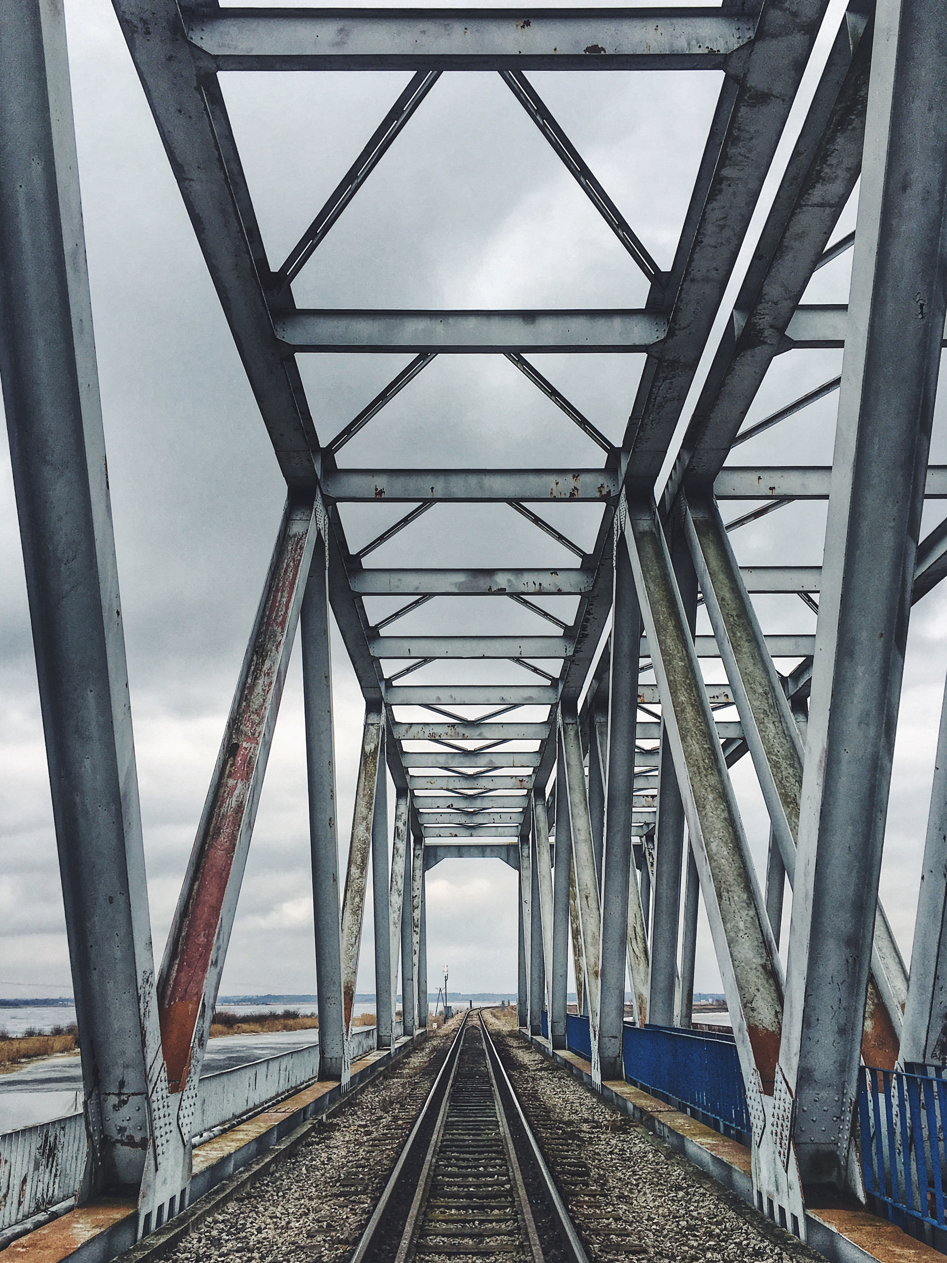 Most kolejowy nad Siemianówką